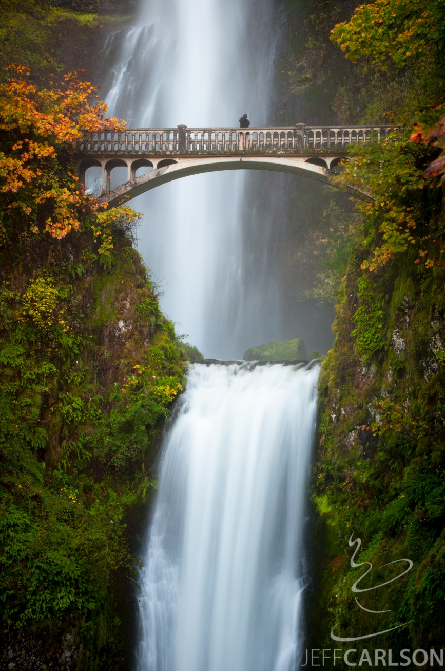 One cannot go on a photo trip to Oregon without getting a shot of the famous falls. (And breakfast at the lodge is tasty, too.)